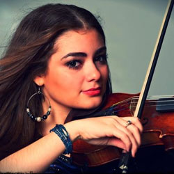 Chrissie Thelma Violinist